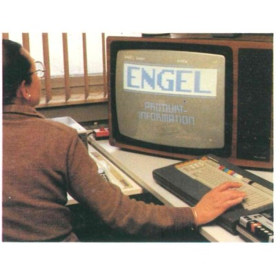 A former computer with a screen on which the ENGEL logo can be seen